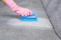 Comment enlever une auréole sur un canapé en tissu ?