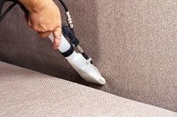 Comment nettoyer un fauteuil en tissu ?