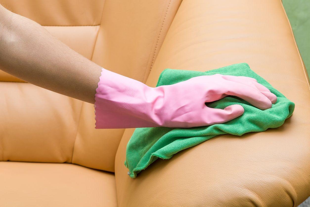 Comment nourrir un canapé en cuir ?