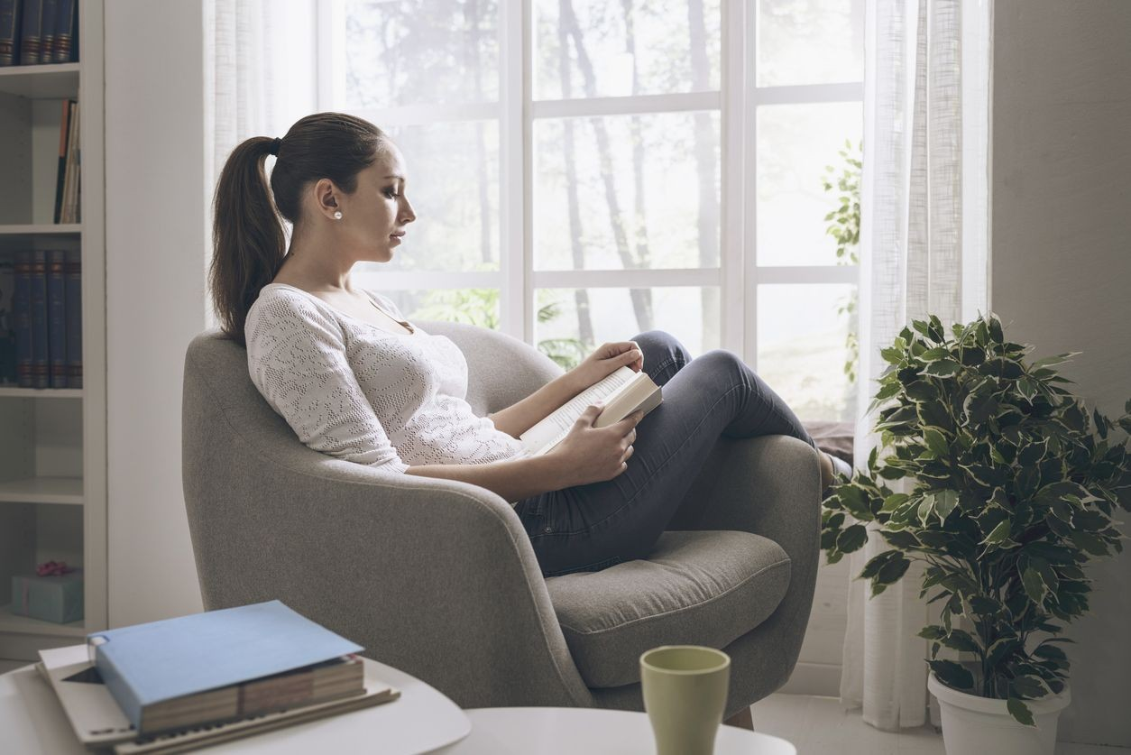 Comment s'aménager un coin lecture chez soi ?